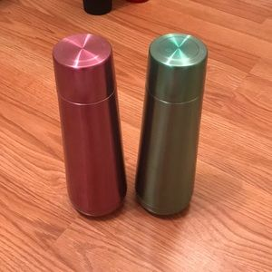 Set of 2 large water bottles